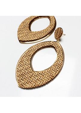 Long earrings in leaf shape