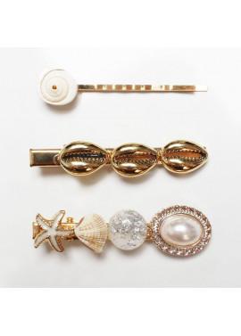 Hair clips with seashells